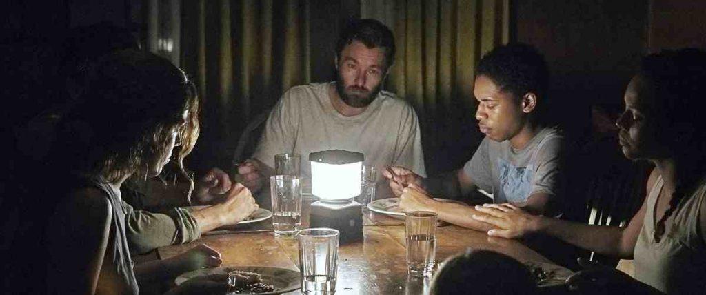FIlm Wabah Penyakit It Comes At Night (2017)