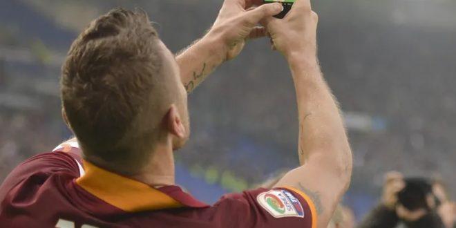 10 Selebrasi Gol Paling Kontroversial di Dunia
